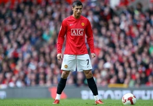 Ronaldo về lại Man Utd với giá 71 triệu bảng?