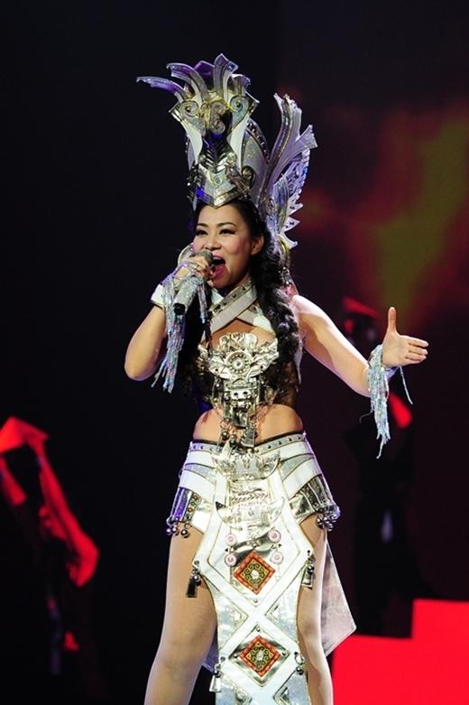 Nữ ca sĩ có tài năng biến hóa rất đa dạng. - Tin sao Viet - Tin tuc sao Viet - Scandal sao Viet - Tin tuc cua Sao - Tin cua Sao