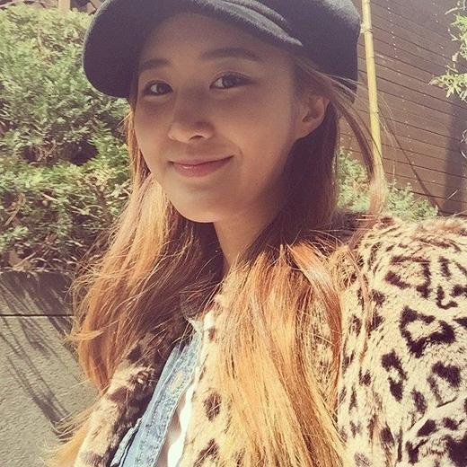 Yuri khoe sắc trong sáng ngày chủ nhật, cô khoe ảnh tự sướng và chia sẻ: Ngày chủ nhật vui vẻ nhé.
