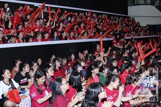 Hơn 1000 khán giả đã đến tham gia buổi offline của Hoài Lâm. - Tin sao Viet - Tin tuc sao Viet - Scandal sao Viet - Tin tuc cua Sao - Tin cua Sao