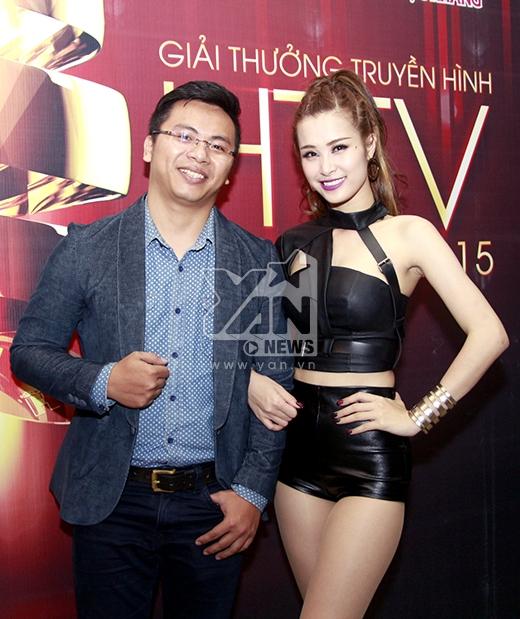 Đông Nhi và đạo diễn Phan Lên - đạo diễn thành công với 2 MV Bad Boy và Gạt đi nước mắt xuất hiện khá muộn. - Tin sao Viet - Tin tuc sao Viet - Scandal sao Viet - Tin tuc cua Sao - Tin cua Sao