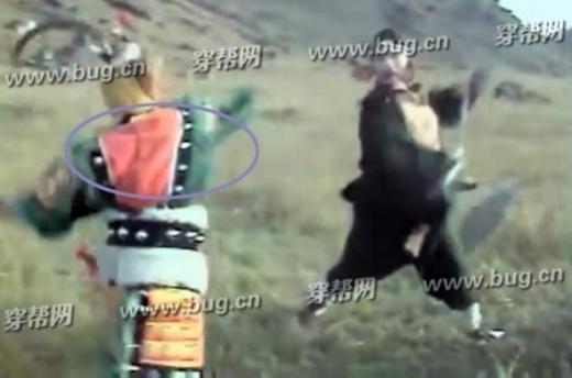 Ngưu Ma Vương không mặc áo khoác khi giao đấu với Trư Bát Giới