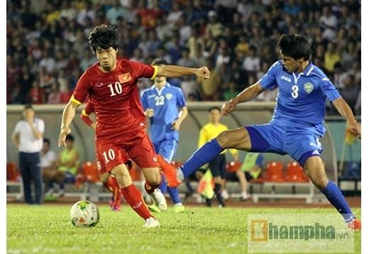 Đây là trận đấu chính thức đầu tiên dưới thời HLV Miura mà Công Phượng có tên trong đội hình xuất phát nên tiền đạo gốc Nghệ càng thể hiện quyết tâm thể hiện mình