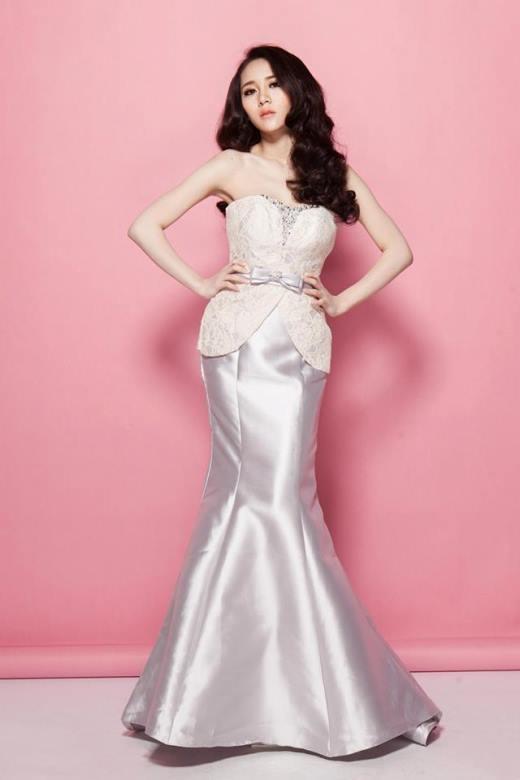 Nhưng khi trưởng thành, Vân Shi lại trở thành mộthot girl xinh đẹp, sở hữu vóc dáng vô cùng sexy và quyến rũ.