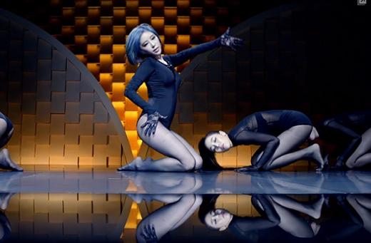 Vì vũ đạo nóng bỏng trong MV mới nên Gain bị cấm biểu diễn