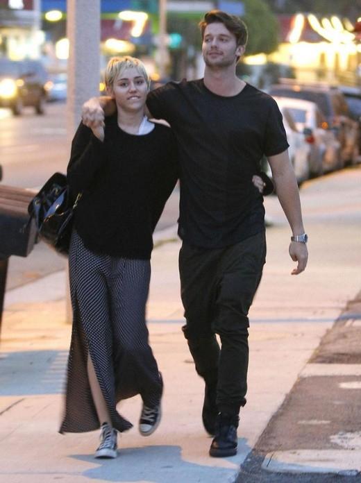 Nghi án Miley Cyrus sắp kết hôn với Patrick Shwarzenegger
