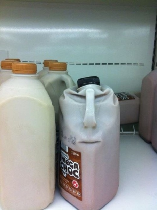 19. Bình sữa socola đang muốn trả thù chăng? Tuyệt, đó là một sự trả thù ngọt ngào.