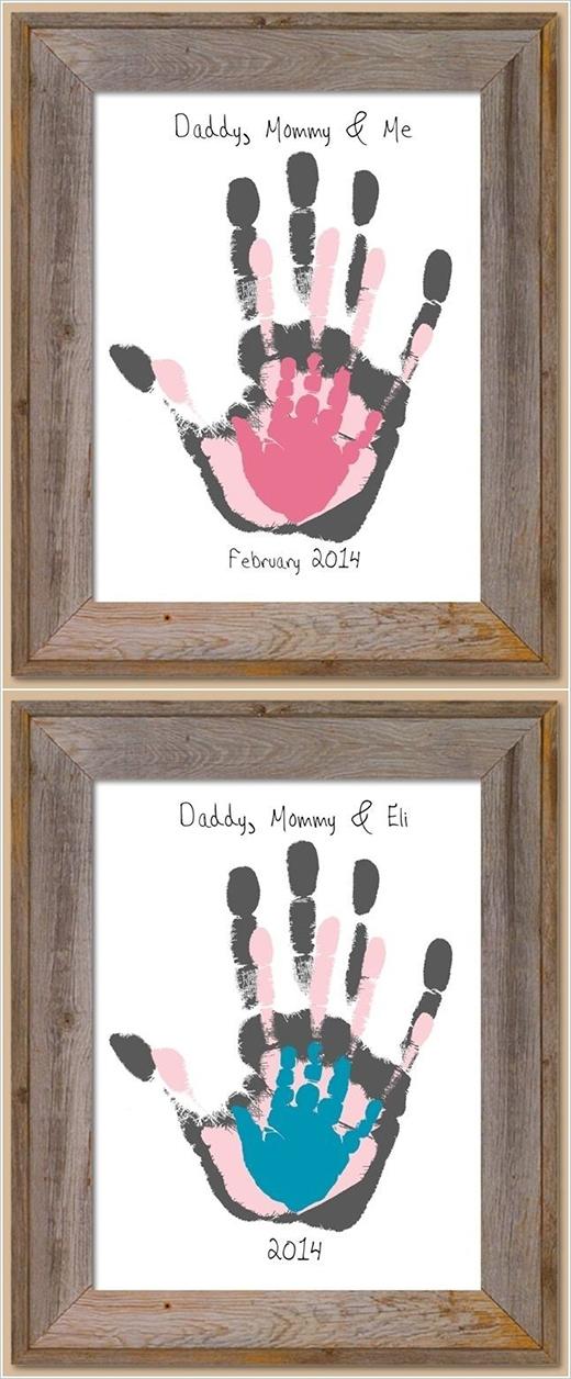 Những bàn tay của các thành viên trong gia đình cũng là một cách hay và ấn tượng để bạn trang trí cho căn phòng của mình.