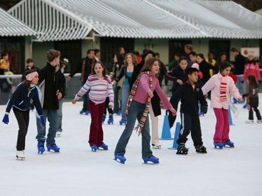 Việc trượt băng ở Frankfurt cũng có giới hạn tốc độ 50mph. Nếu họ trượt quá tốc độ trên, họ cũng có thể bị phạt tiền cho việc trượt băng quá tốc độ.