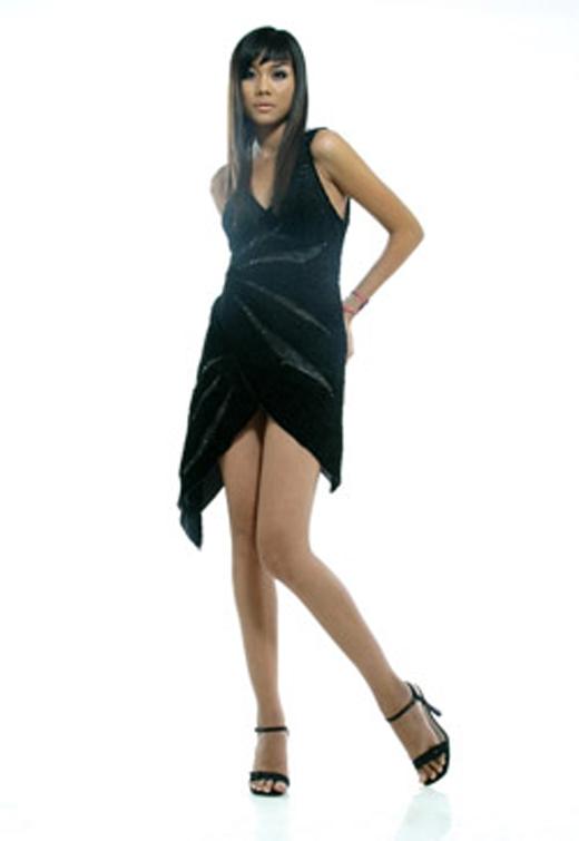 Hình ảnh của Thanh Hằng trong phim Những cô gái chân dài. - Tin sao Viet - Tin tuc sao Viet - Scandal sao Viet - Tin tuc cua Sao - Tin cua Sao