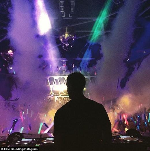 Calvin biểu diễn tại Las Vegas