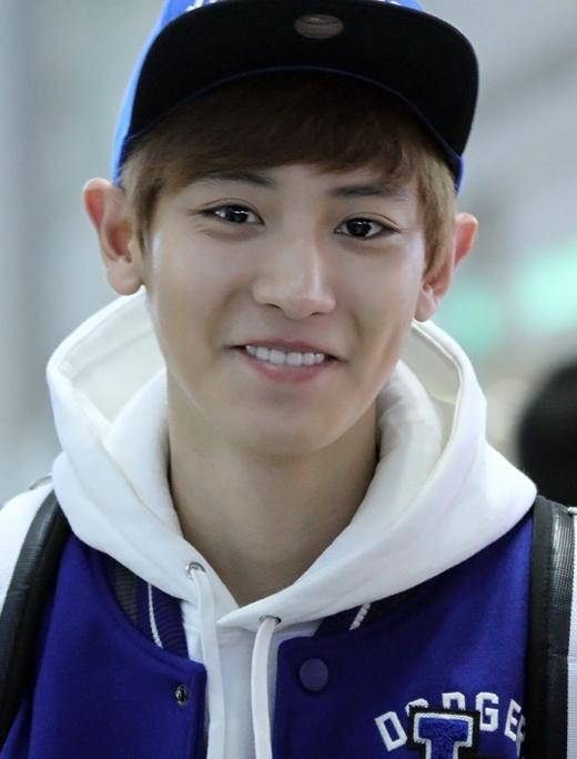Không phải lúc nào cũng có thể trông thấy lúm đồng tiền của Chanyeol (EXO), nhiều lần, nam thần tượng phải cố ý cười sao cho có thể khoe được điểm mạnh ấy trên gương mặt.