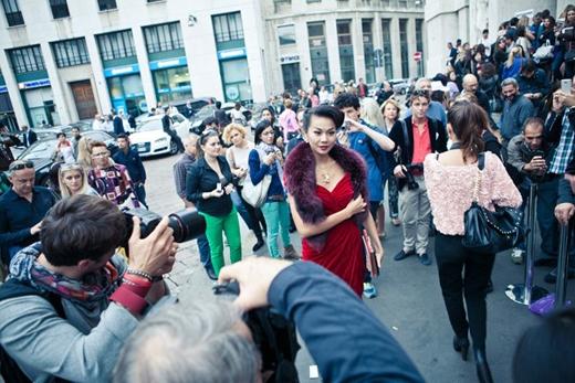 Điều quan trọng nhất giúp Thanh Hằng có được vị trí như ngày hôm nay đó là sự thay đổi về phong cách thời trang. Thanh Hằng thu hút mọi ánh nhìn tại Milan Fashion Week. - Tin sao Viet - Tin tuc sao Viet - Scandal sao Viet - Tin tuc cua Sao - Tin cua Sao