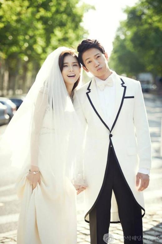 Hai vợ chồng Ji Sung - Lee Bo Young đang đếm ngược chờ ngày con chào đời