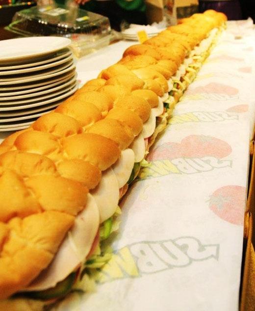 3 lý do bạn không thể bỏ qua chiếc bánh mì khổng lồ