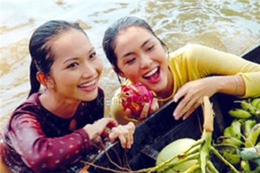 Sau khi đóng chung bộ phim Hương Phù Sa, Tăng Thanh Hà và Kim Hiền đã trở thành một đôi bạn vô cùng thân thiết trong showbiz Việt. - Tin sao Viet - Tin tuc sao Viet - Scandal sao Viet - Tin tuc cua Sao - Tin cua Sao