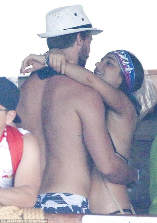 Bức ảnh khiến các fan của Miley nổi giận