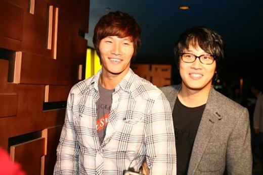 Kim Jong Kook và Cha Tae Hyun là bạn thân thiết ngoài đời. Vì vậy, việc họ hợp tác cùng nhau trong dự án này khiến fan thích thú.