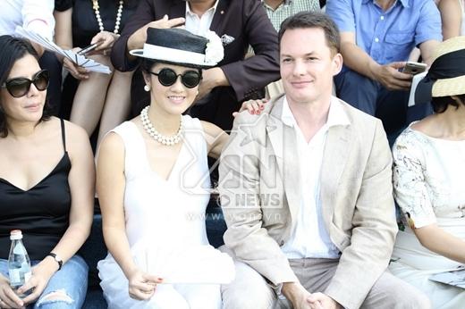 Cô hạnh phúc đi xem trận bóng polo cùng với ông xã. - Tin sao Viet - Tin tuc sao Viet - Scandal sao Viet - Tin tuc cua Sao - Tin cua Sao