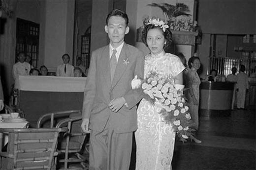 Vợ chồng ông Lý tổ chức đám cưới khi cả hai trở về Singapoore năm 1950