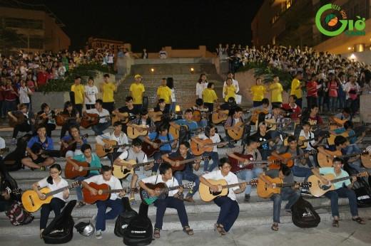 Hình ảnh tập luyện của 1000 người tham gia đồng diễn).