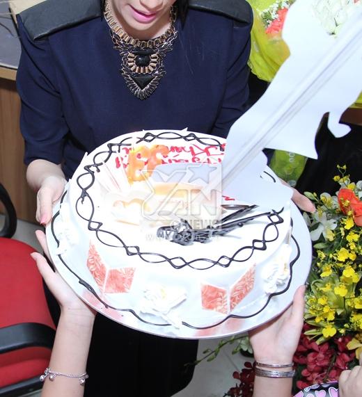 Khánh Thy được mừng sinh nhật bất ngờ, Lan Ngọc băng vết thương cho bạn nhảy - Tin sao Viet - Tin tuc sao Viet - Scandal sao Viet - Tin tuc cua Sao - Tin cua Sao