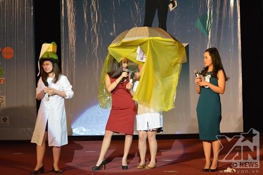 Sinh viên Hà Nội so tài nói tiếng Anh cực chuẩn