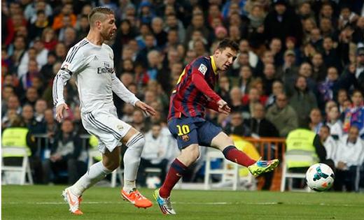 """Messi chính là người phá vỡ kỷ lục ghi bàn của Di Stefano. Với 29 lần dự El Clasico, siêu sao người Argentina sút tung lưới """"Kền kền trắng"""" 21 lần. Hiện chân sút của Barca đạt phong độ rất cao. Không ngoại trừ khả năng Leo tiếp tục ghi bàn trong cuộc tiếp đón Real lúc 3h ngày 23/3."""