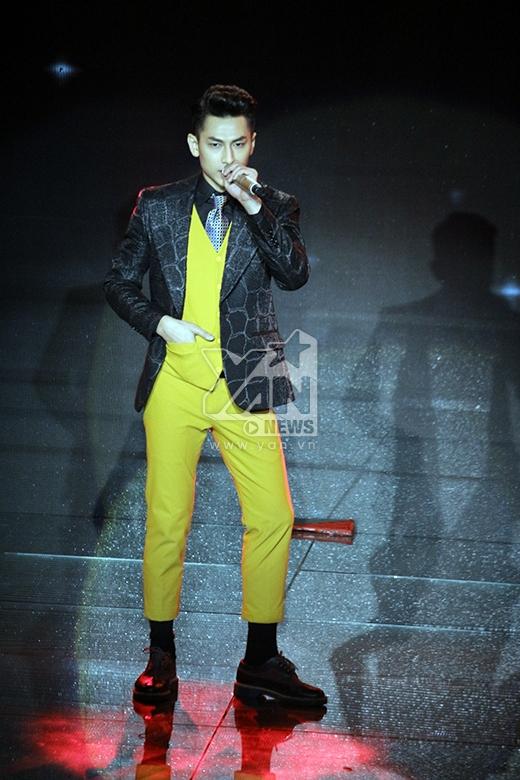 Isaac lịch lãm phong cách quý ông thập niên 80 - Tin sao Viet - Tin tuc sao Viet - Scandal sao Viet - Tin tuc cua Sao - Tin cua Sao