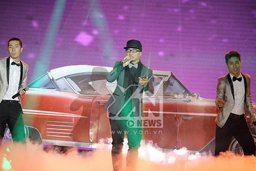 FB Nation mang xế khủng lên sân khấu - Tin sao Viet - Tin tuc sao Viet - Scandal sao Viet - Tin tuc cua Sao - Tin cua Sao