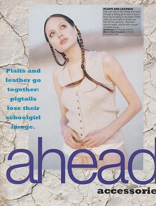 Angietrong một tạp chí của Anh vào năm 18 tuổi