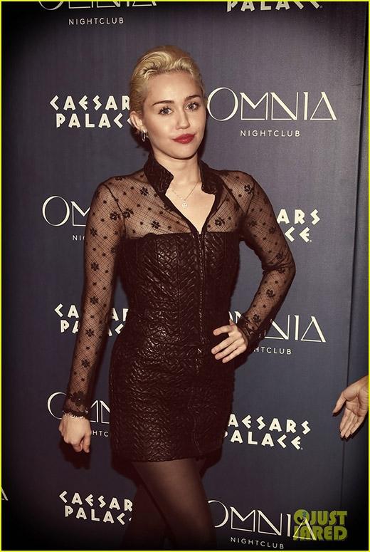 Miley tại sự kiện ở câu lạc bộ đêm Omnia