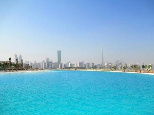 Đất nước này còn đang lên kế hoạch xây dựng một hồ nước ngọt khổng lồ hơn 360.000m2, và đặt giữa trung tâm thành phố. Dự định sẽ hoàn tất năm 2020.