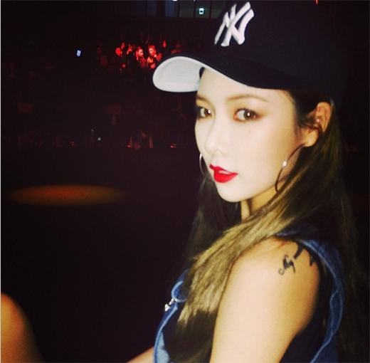 HyunA khoe hình tự sướng cực phong cách