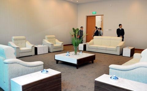 Nguyên thủ cùng phái đoàn các nước có thể tổ chức những cuộc họp nhanh và bàn công việc ngay tại nhà khách VIP.