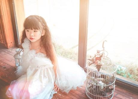 Được biết Dương Hải Vy hiện đang sống ở Hà Nội cùng mẹ là người Việt và bố là người Trung Quốc