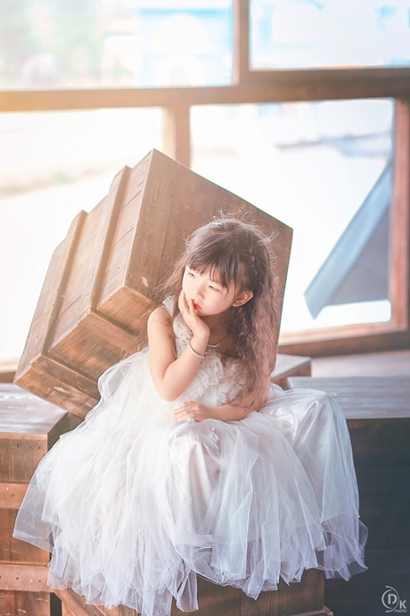 Mặc dù chỉ mới 4 tuổi, nhưng nhiều người nhận xét rằng Hải Vy tạo dáng rất chuyên nghiệp và có hồn