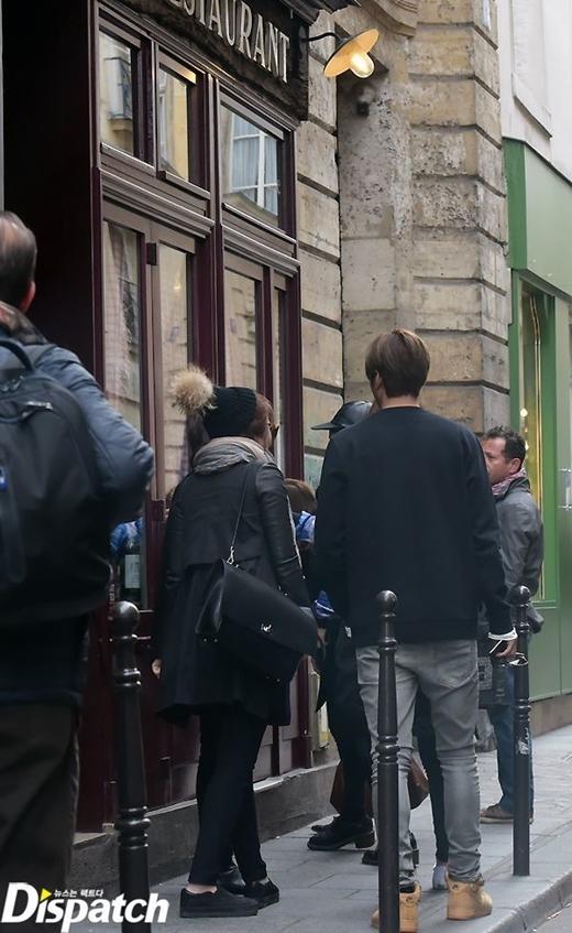 Sau buổi chụp ảnh, Lee Min Ho dành thời gian tham quan đường phố ở Paris
