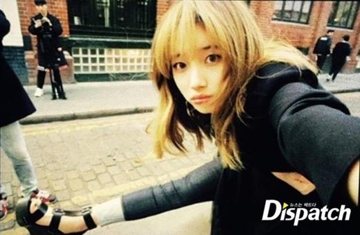 Suzy cũng tranh thủ khoe hình khi đang thực hiện bộ ảnh trên đường phố London