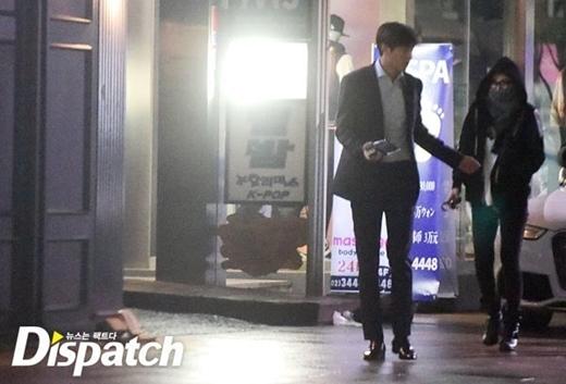 Cả hai hẹn hò thường xuyên ở Seoul. Vào ngày 25/2, Lee Min Ho đón Suzy tại Samsung-dong sau khi kết thúc lịch trình của mình. Buổi hẹn hò diễn ra vô cùng ngọt ngào và lãng mạn. Thậm chí, Lee Min Ho còn cho Suzy mượn khẩu trang của anh ấy để tránh bị phát hiện.