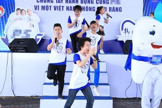 Sơn Tùng M-TP khuấy động sân khấu với hàng loạt bản hit - Tin sao Viet - Tin tuc sao Viet - Scandal sao Viet - Tin tuc cua Sao - Tin cua Sao