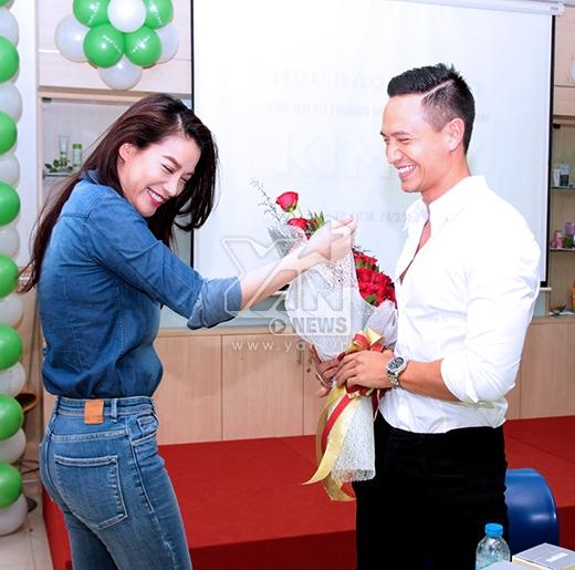 Kim Lý hạnh phúc ôm thắm thiết Trương Ngọc Ánh - Tin sao Viet - Tin tuc sao Viet - Scandal sao Viet - Tin tuc cua Sao - Tin cua Sao