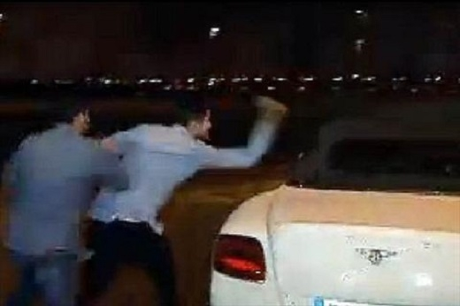 Fan Real tức giận tấn công xe của Bale sau trận thua Barca