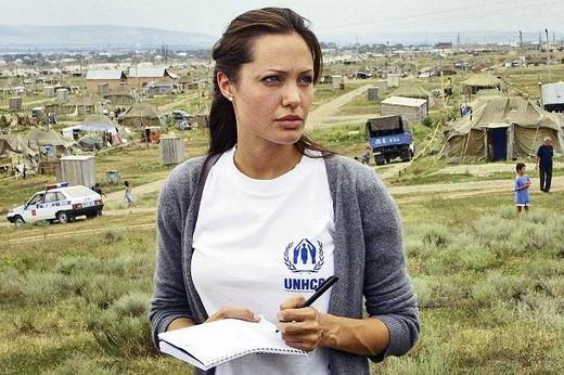 Angelina Jolie sẽ không bao giờ sinh con được nữa