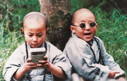 Hác Thiệu Văn (phải) bên Thích Tiểu Long
