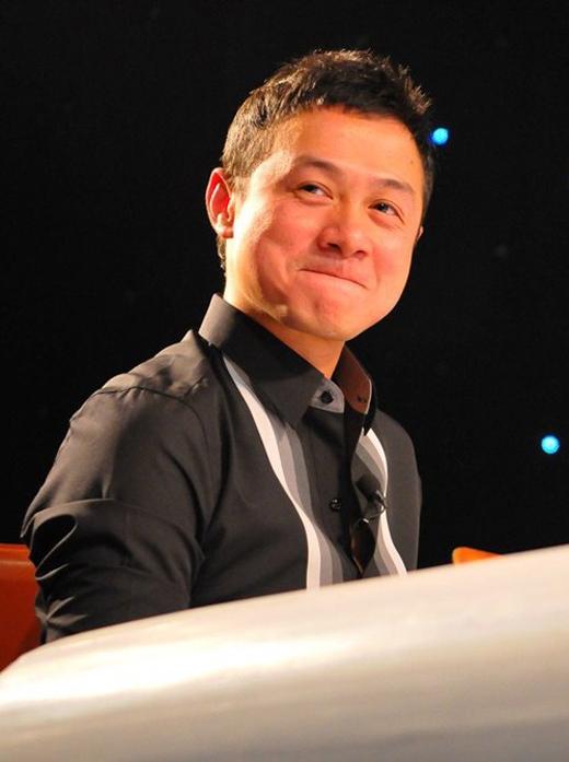 Anh còn thường xuyên được mời trở thành Ban giám khảo cho một số các chương trình về âm nhạc. - Tin sao Viet - Tin tuc sao Viet - Scandal sao Viet - Tin tuc cua Sao - Tin cua Sao