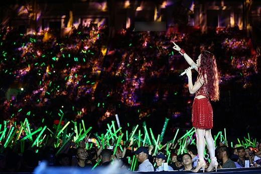 """Sắp tới đây, Mỹ Tâm sẽ cùng nghệ sĩ Guitar nổi tiếng thế giới Oshio Kotaro có buổi concert """"Dreaming together in Osaka"""" vào ngày 5/4/2015 tại Tp.Osaka (Nhật Bản). - Tin sao Viet - Tin tuc sao Viet - Scandal sao Viet - Tin tuc cua Sao - Tin cua Sao"""