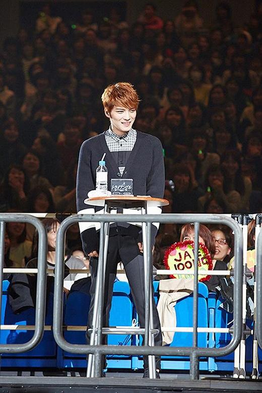 Một số hình ảnh của Jaejoong trong buổi họp fan ngày 24/3