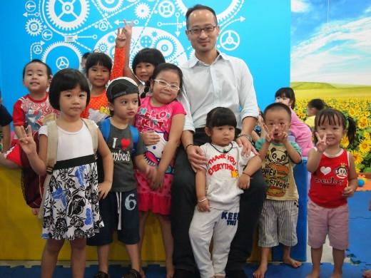 Đua nhanh về đích khởi động Ngày hội Trẻ em & Gia đình 2015
