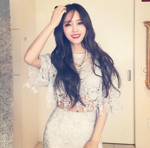 Hyomin cực gợi cảm với đầm ren